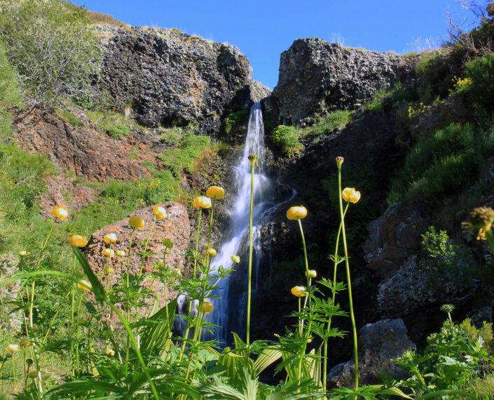 Cascada de Mazobre desde La Venta del Alma
